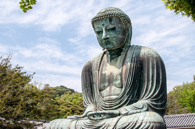 Imagen lateral del Gran Buda de Kamakura
